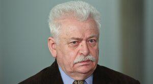 Prof. Szeremietiew: Huśta się ludźmi w nadziei, że za którymś razem PiS...