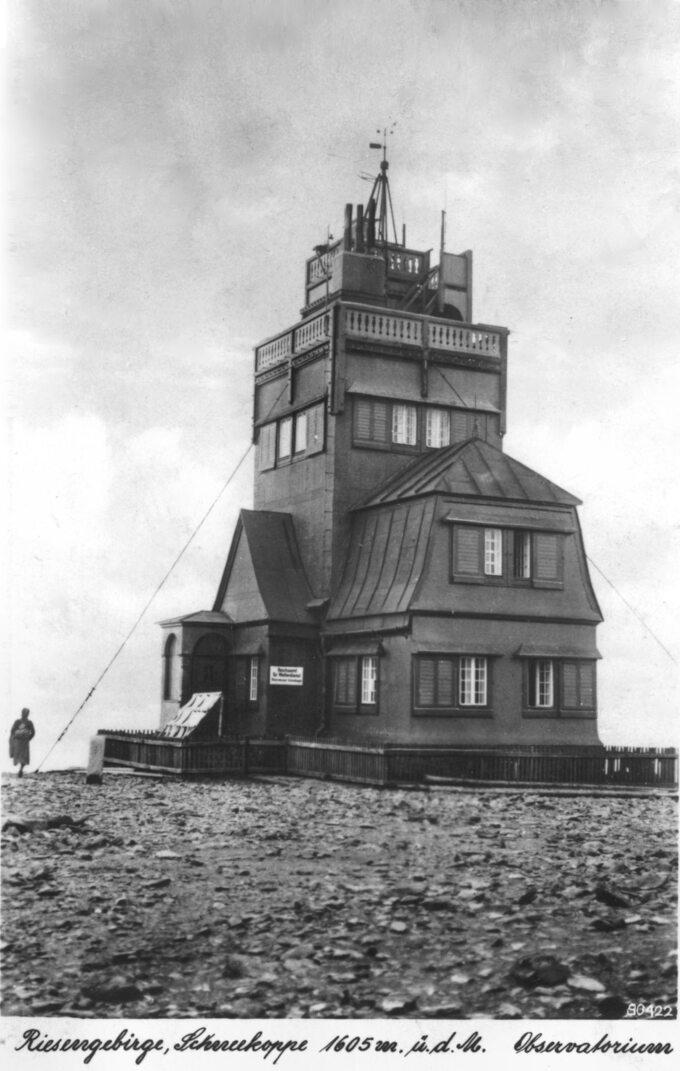 Pierwsze obserwatorium naŚnieżce, 1942r.