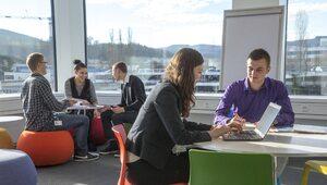Warto prowadzić dialog z pracownikami na temat ich potrzeb