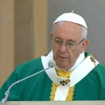 """Papież z pielgrzymką w Azerbejdżanie. """"Wiara jest darem Boga"""""""
