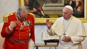 """Wielki mistrz Zakonu Maltańskiego ustąpił ze stanowiska. """"Papież..."""