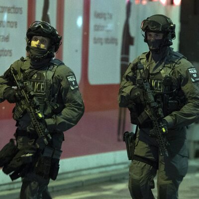 Trzy bomby w Londynie. Na lotniskach i dworcu kolejowym