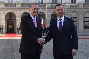 Zwrot w kierunku Turcji i Chin? Nowa polityka zagraniczna Polski