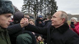 Konstytucyjna pokazucha. Putin  zatrzasnął za sobą drzwi