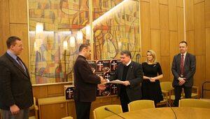 Polacy za nierozerwalnością małżeństwa. 145 tysięcy podpisów w Episkopacie