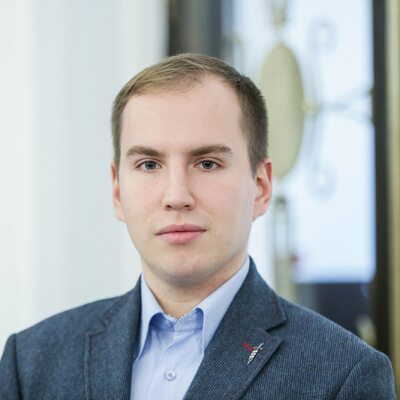 """Andruszkiewicz chce walczyć z fake newsami i zapowiada pozwy. """"Nie..."""