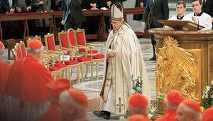 Franciszek odprawi Mszę przy relikwiach św. Faustyny i św. Jana Pawła II