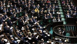 Sejm zdecydował o zwiększeniu środków na służbę zdrowia i karaniu...