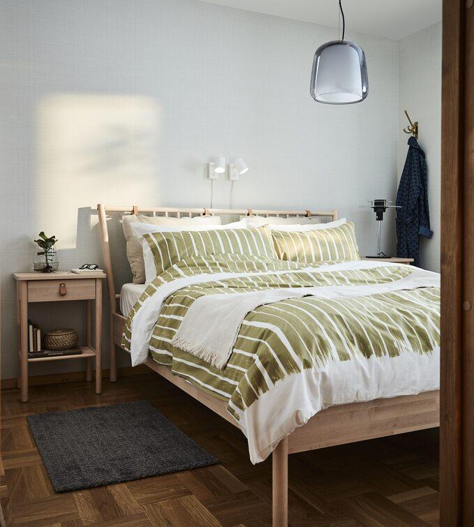 Sypialnia zielona zdrewnem