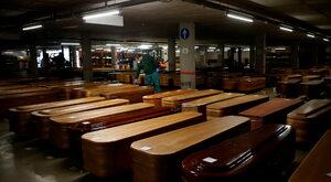 Hiszpański rząd oddaje hołd ofiarom koronawirusa  w rycie masońskim