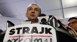 Broniarz wręczył prezent Kaczyńskiemu