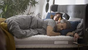 Czym charakteryzują się materace twarde do sypialni produkowane przez...