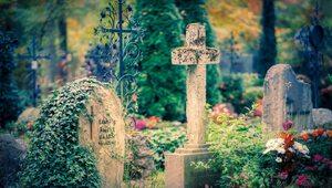 Od dziś cmentarze ponownie otwarte. Prymas Polski apeluje