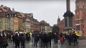 """Protest w Warszawie. """"Mamy do czynienia z drugim lockdownem"""""""