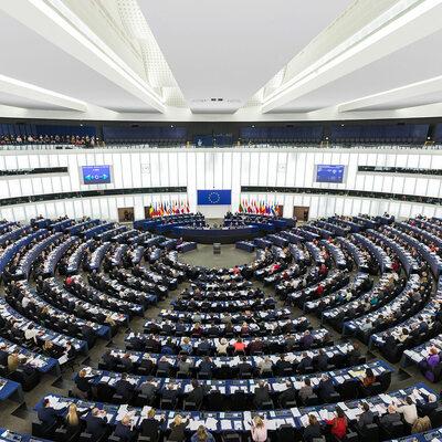 Parlament Europejski oficjalnie ogłasza kryzys klimatyczny