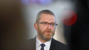 Braun publikuje ekspertyzę: Nakaz noszenia masek w Sejmie nielegalny