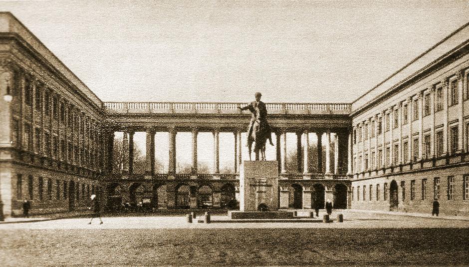 Poseł mniejszości niemieckiej przeciw odbudowie Pałacu Saskiego....