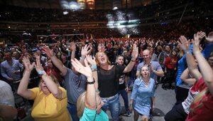 Hiszpania: Władza werbuje tajnych agentów. Będą rozbijać imprezy