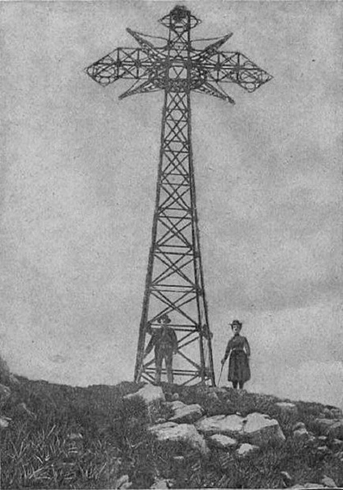 Krzyż naGiewoncie, 1901 rok