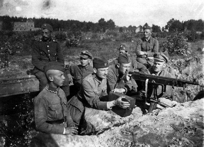 Stanowisko karabinu maszynowego Colt-Browning. Miłosna podWarszawą, sierpień 1920 r