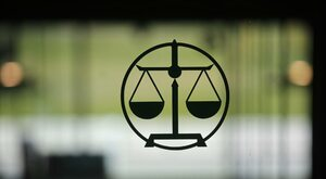 Obłęd elit prawniczych