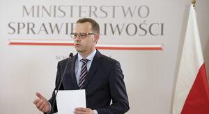 Romanowski: TK ma większą moc wiążącą niż traktaty europejskie
