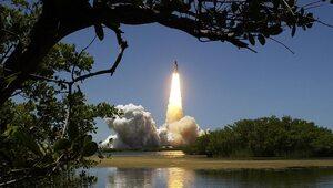Chiny: Ognisko COVID-19 wstrzymało prace nad rakietą kosmiczną