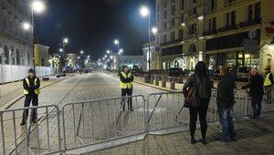 Skąd się wzięły barierki na Krakowskim Przedmieściu? Komentarz Kamili...