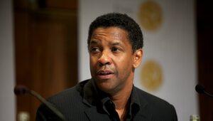 Denzel Washington do młodych mężczyzn: Trwajcie na kolanach przed Bogiem