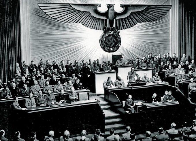 Adolf Hitler przemawia wReichstagu, 1941r.