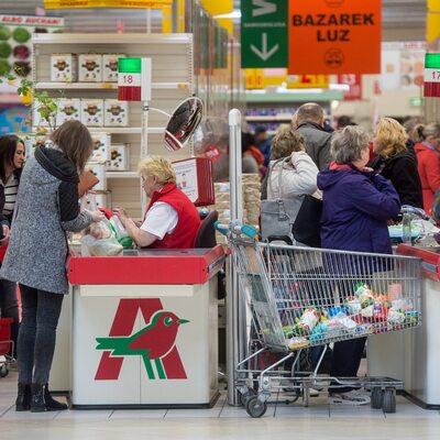 """""""Rz"""": PiS planuje zawiesić podatek od hipermarketów"""
