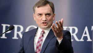 """""""Zgodził się na dyktat Brukseli i Berlina"""". Ziobro uderza w premiera"""