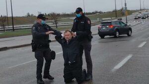 Kanada: Polski pastor aresztowany za odprawienie nabożeństwa mimo lockdownu