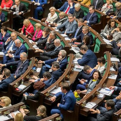 Oni zasiądą w Sejmie. Oto lista wszystkich posłów nowej kadencji