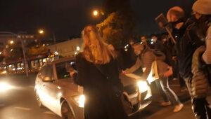 Oficer ABW potrącił protestujące kobiety. Nowe informacje
