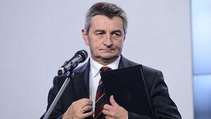 Rządowa willa, ochrona, służbowa limuzyna. Kuchciński wciąż korzysta z...