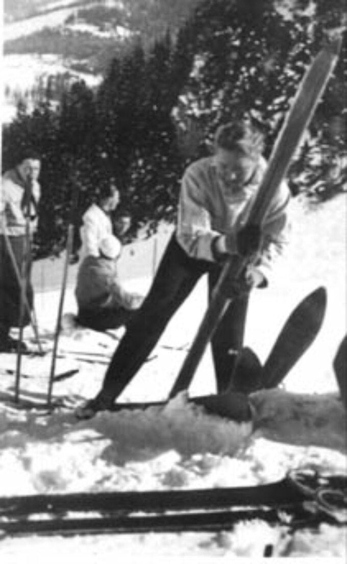 Helena Marusarzówna wczasie treningu narciarskiego