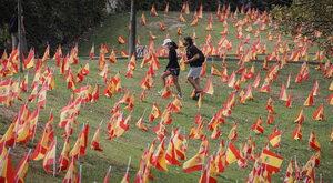 """""""Wirus nie ma nóg, to my mu dajemy nogi!"""". Hiszpania w walce z..."""