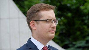 """Winnicki: Uchwalona nowelizacja jest bajpasem ustawy """"STOP 447"""""""