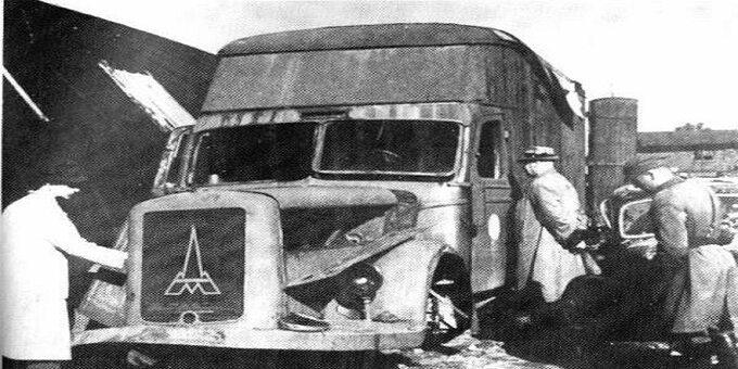Jeden zsamochodów-ciężarówek marki Magirus-Deutz odnaleziony wChełmnie w1945 roku. Podobne samochody przystosowano dogazowania chorych spalinami