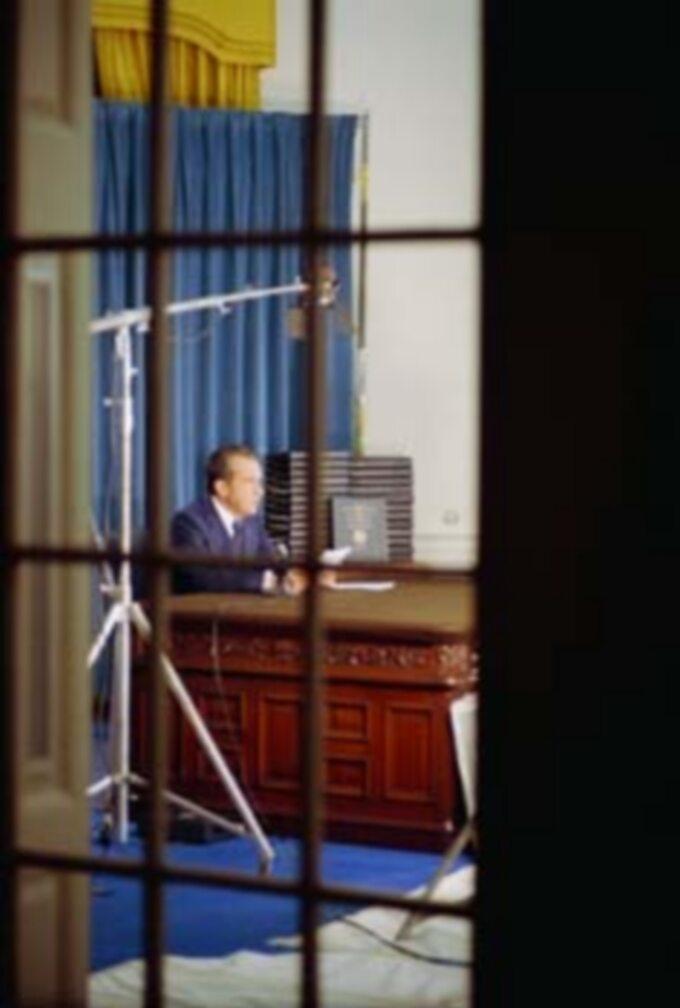 Richard Nixon przed komisją senacką. Afera Watergate, 1974 rok