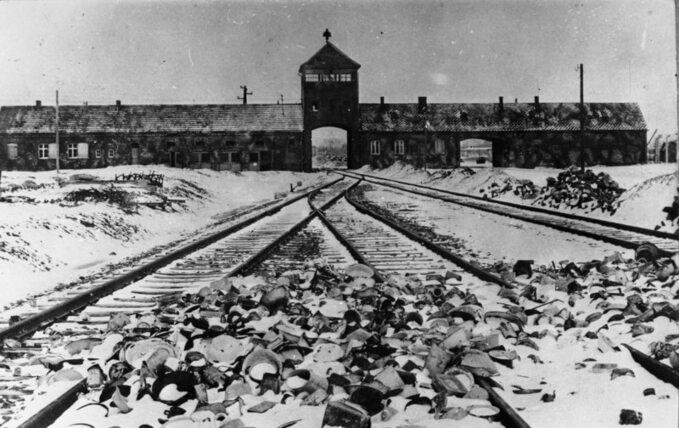 Auschwitz-Birkenau w1945 roku