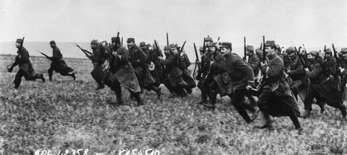 Atak francuskiej piechoty w1914r.