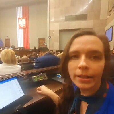 Sejm głosuje nad budżetem, tymczasem Jachira... nagrywa filmik