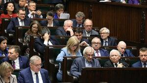 Polaków zapytano o podwyżki dla polityków. Są wyniki sondażu