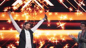 """Zwycięzca """"X Factora"""" nadal w śpiączce. Narzeczona Loski prosi o pomoc"""