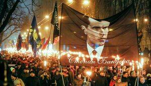Ukraina: Tysiące osób z pochodniami w marszu ku czci Bandery
