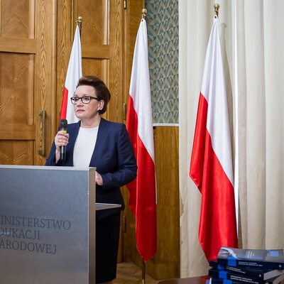 """Będą kary zaudział nauczycieli w""""Czarnym proteście""""? Minister Zalewska..."""