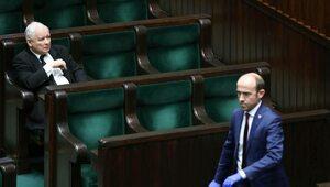 """Mocna pozycja PiS, """"Koalicja 276"""" bez większości w Sejmie"""