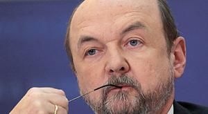 Prof. Legutko: Media są nagie